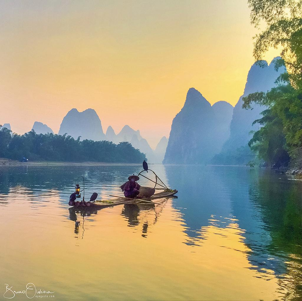 Congratulations to Bruno Oliveira for winning the Smartphone + Instagram assignment with this image of fishermen at sunrise on the Li River in China. The image was taken with an iPhone 6.