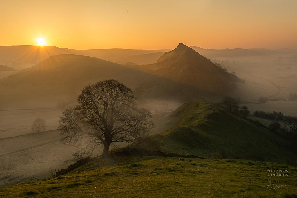 """Today's Photo Of The Day is """"Park House Hill Sunrise"""" by Andy Evans. Location: Peak District, England."""