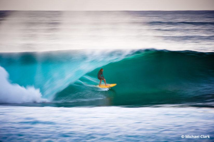 Surf photography using a blur effect