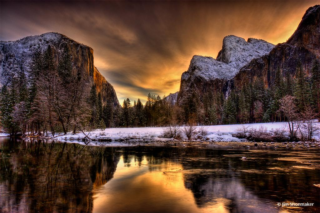 "Today's Photo Of The Day is ""Gates of the Valley"" by Jim Shoemaker. Location: Yosemite National Park, California."